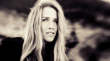 Heather Nova – Girl on the Mountain #videopremiere @PopMatters @Nova_Says